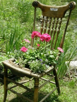 waste tracking wastetracking recycled pallet planter chair